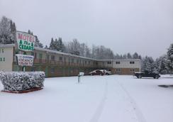 Cedars Motel - Ironwood - Außenansicht