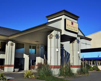 Quinault Sweet Grass Hotel - Ocean Shores - Building