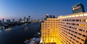曼谷湄南河畔華美達廣場酒店 - 曼谷 - 建築