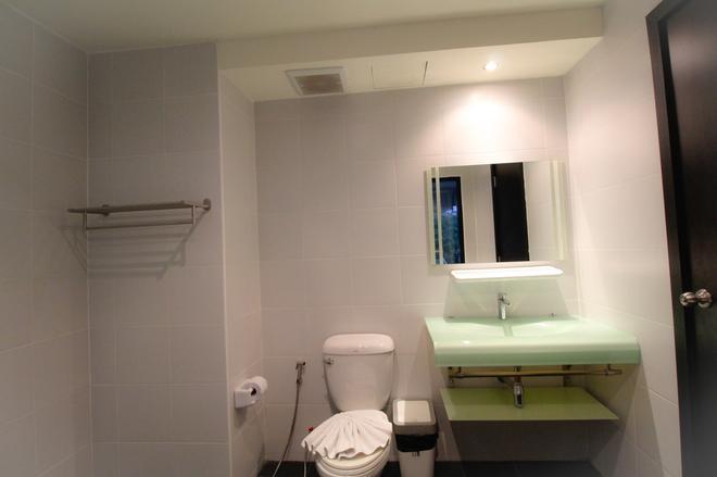 海灣海景酒店 - 布吉 - 芭東海灘 - 浴室