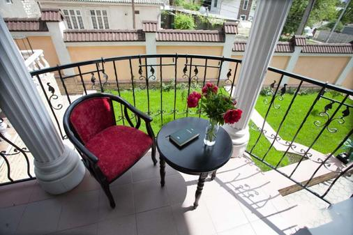 Shadow Boutique Hotel & Spa - Chisinau - Balcony