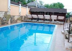 Shadow Boutique Hotel & Spa - Chisinau - Pool