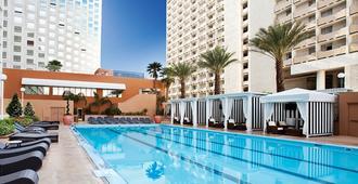 Harrah's Las Vegas Hotel & Casino - Las Vegas - Piscina