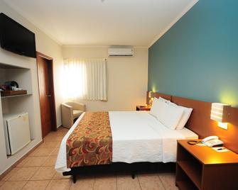 Hotel Riviera Araçatuba - Araçatuba - Schlafzimmer