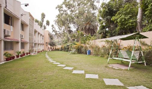 Hotel Sunset Inn Mount Abu with Swimming Pool - Mount Abu - Lounge