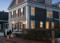 Brass Lantern Inn - Nantucket - Rakennus