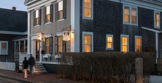 Brass Lantern Inn - Nantucket