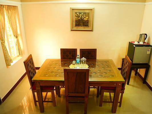 Krishna Regency - Guruvayoor - Dining room