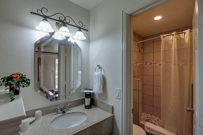 Romantic Inn & Suites - Ντάλας - Μπάνιο