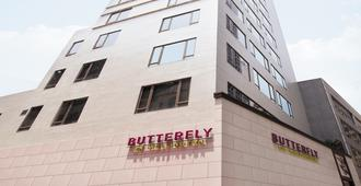 Butterfly on Wellington Boutique Hotel Central - Hong Kong - Building
