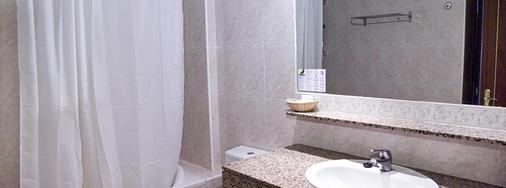 Aparthotel Playasol Jabeque Soul - Ibiza - Bathroom