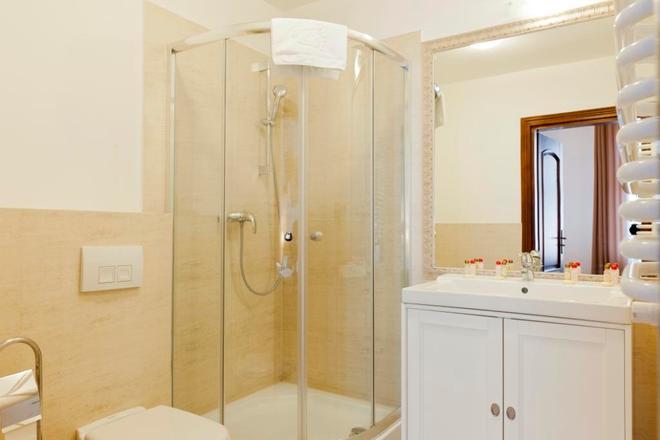 Aparthotel Pergamin - Краков - Ванная