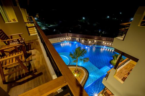 Aqua Resort Phuket - Rawai - Balcón