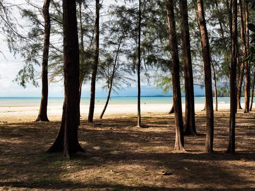 Naiyang Park Resort - Phuket - Ranta