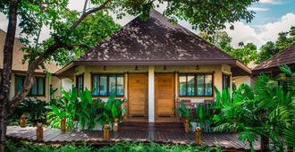 Naiyang Park Resort - עיירת פוקט