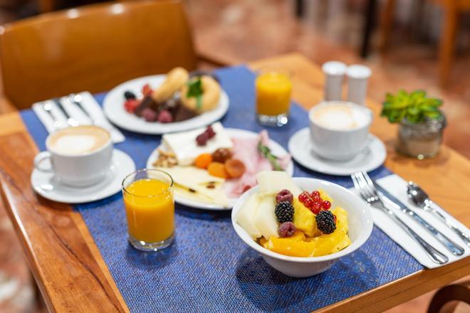 切斯金多斯酒店 - 里昂 - 萊昂 - 飲食
