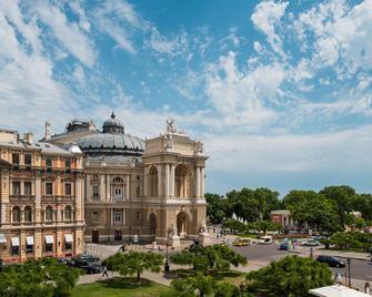 Mozart Hotel - Odesa - Dış görünüm