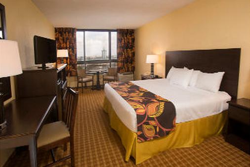 Ramada Plaza by Wyndham Orlando Resort & Suites Intl Drive - Orlando - Bedroom