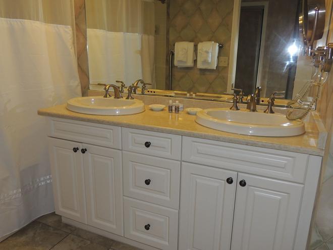 Harbourside III - Hilton Head Island - Bathroom