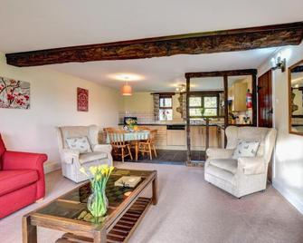 Cwm Chwefru Holiday Cottages - Builth Wells - Living room