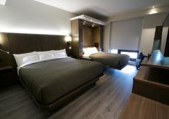 Hôtel & Suites Normandin Lévis - Lévis - Bedroom