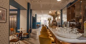 Bristol Hotel - Avignon - Oleskelutila