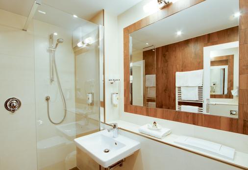 Akzent Hotel Am Goldenen Strauss - Görlitz - Bathroom