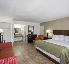 Days Inn by Wyndham St. Petersburg / Tampa Bay Area