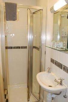Parkway Guesthouse - Dublin - Bathroom