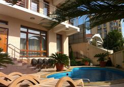Guest House Aks - Sochi - Pool