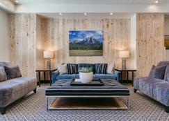 Silver Creek Hotel - Bellevue - Living room