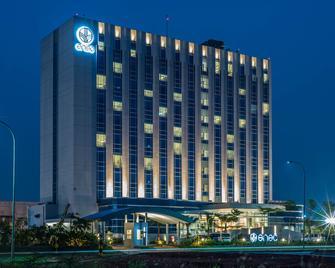 Enso Hotel - Cikarang - Gebouw