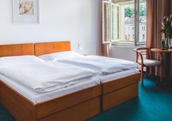Astoria Hotel & Medical Spa - Carlsbad - Bedroom