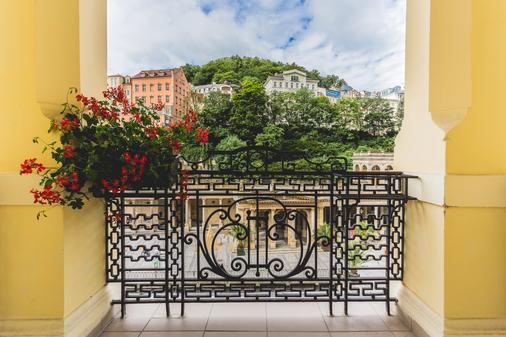Astoria Hotel & Medical Spa - Carlsbad - Balcony