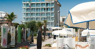 Waldorf Suite Hotel - Rimini - Building