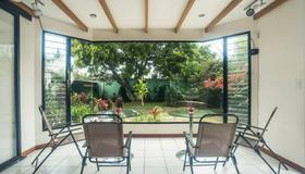 Casa Jardin Del Mango - San José - Outdoors view