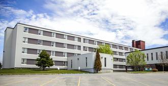 Quality Hotel & Suites - Gander