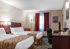 Quality Hotel & Suites - Gander - Bedroom