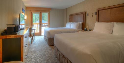 Moose Hotel And Suites - Banff - Bedroom
