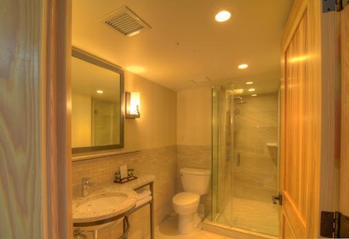 Moose Hotel And Suites - Banff - Bathroom