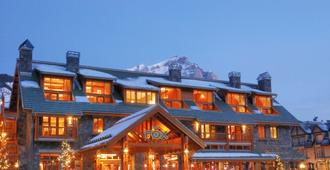 Fox Hotel & Suites - Banff - Building
