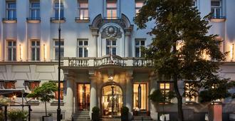 H15 Boutique Hotel - Варшава - Вход в отель