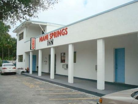 Miami Springs Inn - Miami Springs - Building