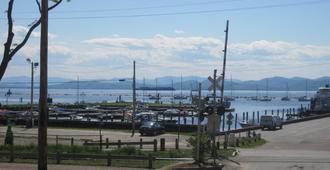 Burlington Hostel - Burlington - Outdoor view