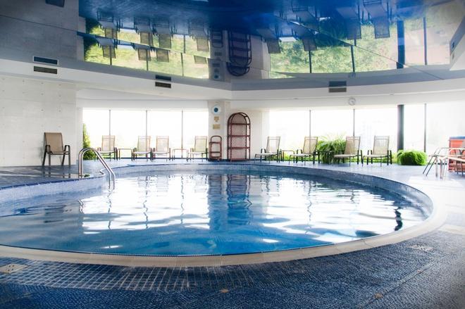 Hotel Class - Bucharest - Pool