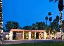 Desert Isle Of Palm Springs By Diamond Resorts - Palm Springs - Building