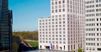 The Ritz-Carlton Berlin - Berliini - Rakennus