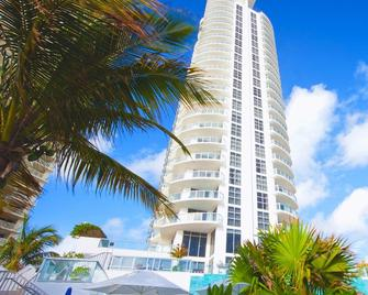 Marenas Resort 2003 - Sunny Isles Beach - Edificio
