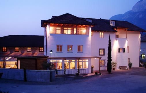 Hotel Teutschhaus - Kurtinig an der Weinstrasse - Gebäude
