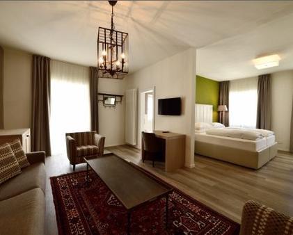 Hotel Teutschhaus - Cortina sulla Strada del Vino/Kurtinig an der Weinstrasse - Living room